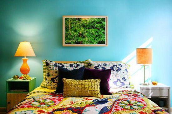 Дизайн спальни в ярких оттенках